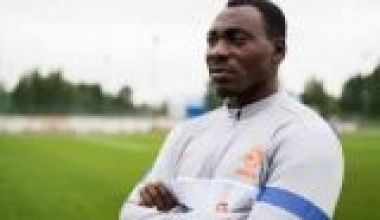 Buhari appoints ex-Super Eagles striker special assistant on sports