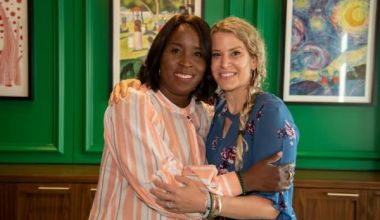 Two women chatted in a bathroom. They soon realized they were each a match for the other's husband, who needed a kidney