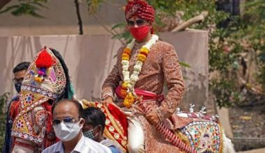 Bride refuses to marry groom on wedding day because he wears glasses