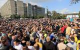 Russians demand free elections in Moscow, defying protest ban