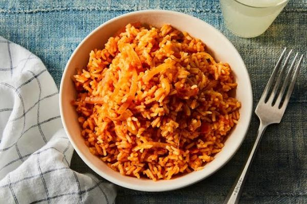 Analysis: Spike in cost of jollof rice signposts Nigeria's food crisis, recession