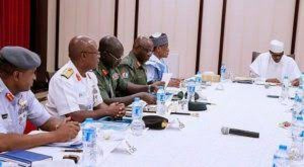 Buhari meets defence minister, Chief of Defense Staff