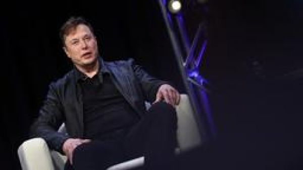 Use Elon Musk's presentation to hook your audience